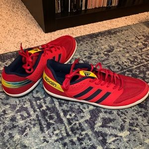 Adidas Spain soccer shoes 10.5 - almost new